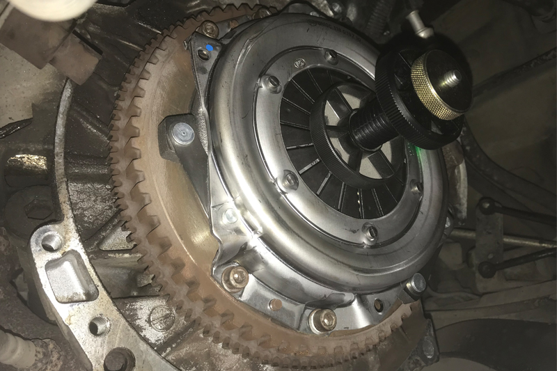 CLUTCH PLATE DRIVEN PLATE FOR A PEUGEOT 206 2.0 HDI 90